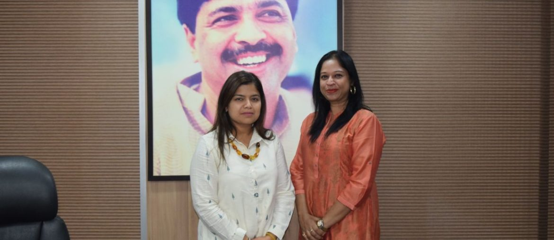 BJP Yuva Morcha President & MP Poonam Mahajan Supports AAH